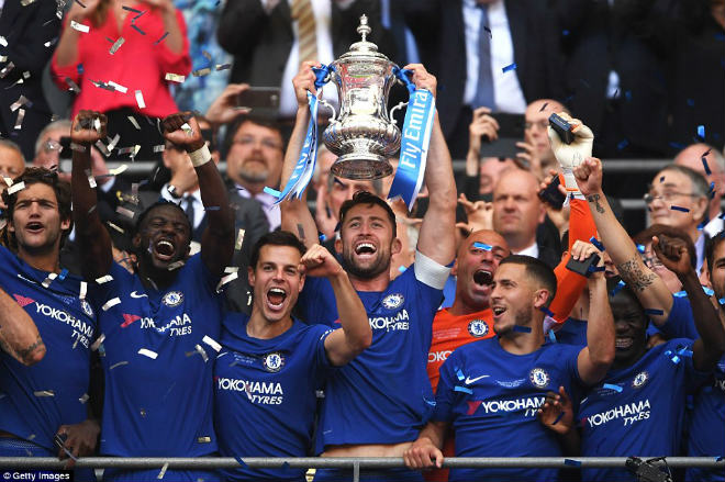 Chelsea hạ MU vô địch FA Cup: Tân vương vỡ òa, Conte ôm Mourinho ăn mừng - 11