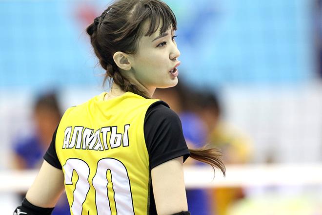 Nữ thần bóng chuyền đẹp nhất thế giới đến VN ẵm luôn giải Hoa khôi - 2