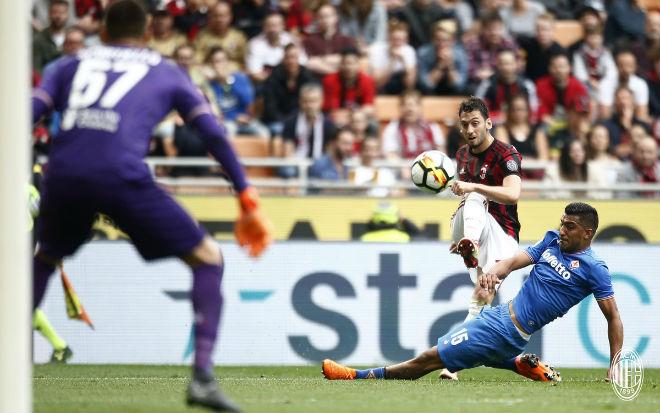 Rực lửa vòng cuối Serie A: Kịch tính rượt đuổi 5 bàn, giật vé C1 như phim - 2