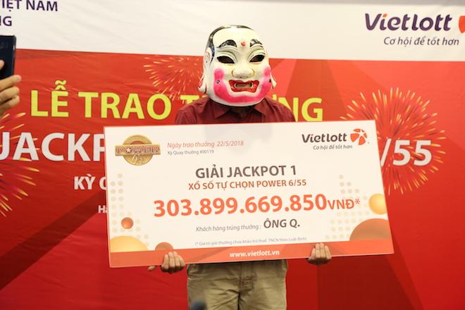 Những ai thấy mặt chủ nhân jackpot 300 tỉ tại lễ trao giải? - 2