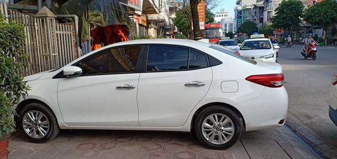 """Toyota Vios thế hệ mới bất ngờ """"lộ diện"""" trên đường phố Việt Nam - 2"""