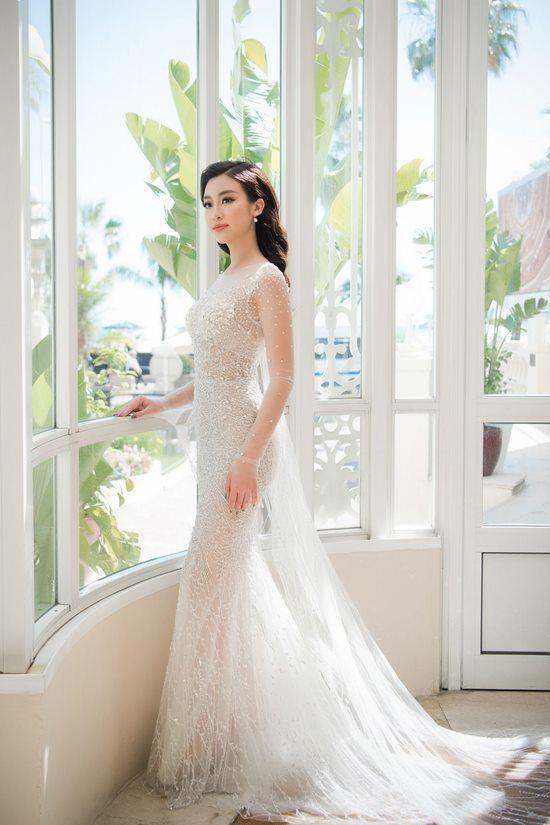 Lộng lẫy với váy xuyên thấu, 2 hoa, á hậu đài VTV đẹp nhất tuần - 3