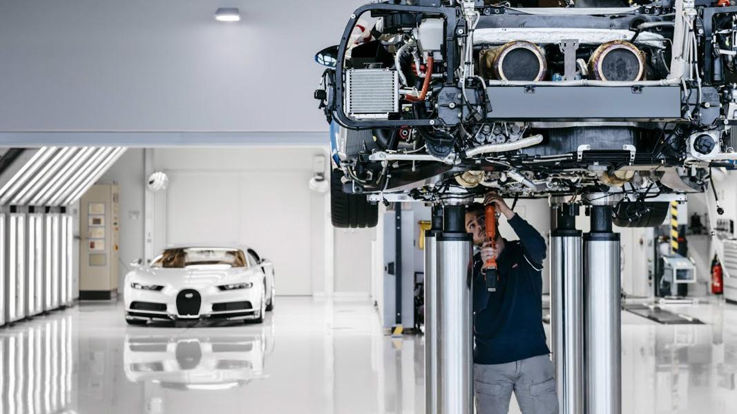 Siêu xe đắt giá - Bugatti Chiron thứ 100 xuất xưởng - 4