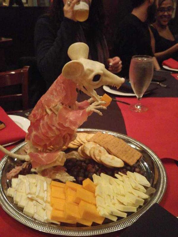 Hài hước 20 cách trang trí đồ ăn siêu bá đạo của các nhà hàng - 5