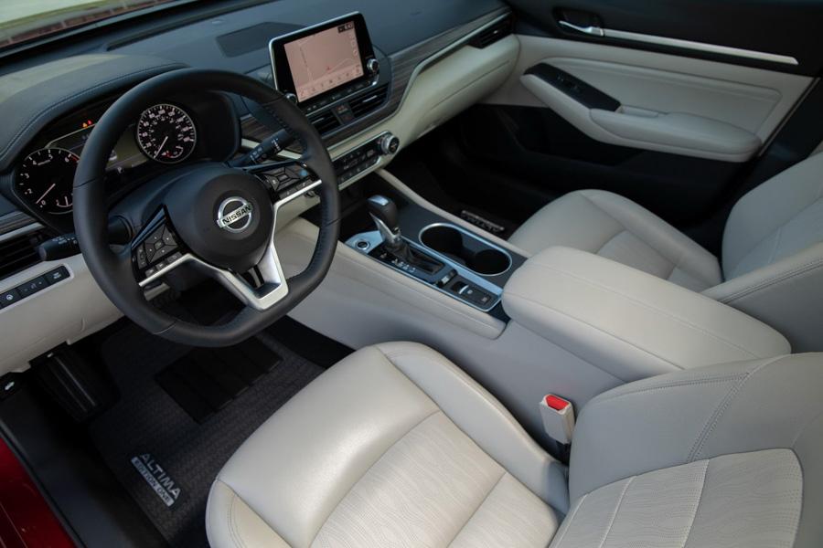 Đối thủ của Toyota Camry: Nissan Altima có thêm phiên bản đặc biệt ''Edition ONE'' - 3