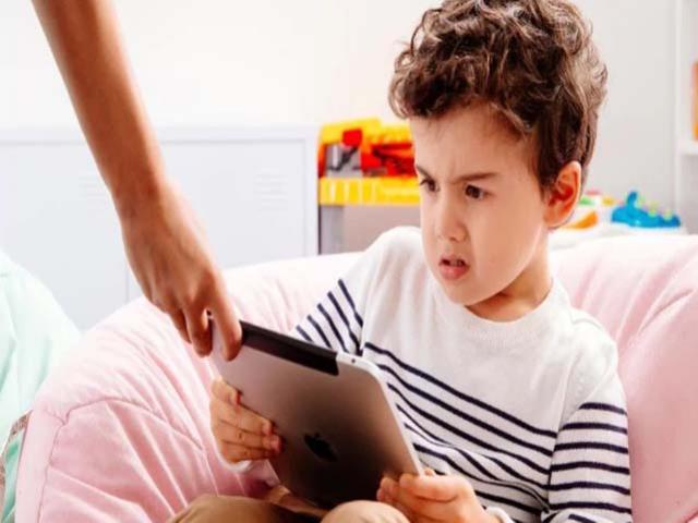 10 cách giúp trẻ biết kìm chế cơn tức giận và kiểm soát được hành vi của mình