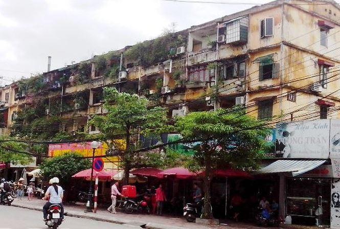 Hà Nội cảnh báo thảm họa cháy nổ, đổ sập hàng loạt chung cư - 1
