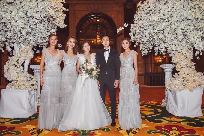 Tình cũ Trần Quán Hy diện váy khoét sâu tận rốn trong lễ cưới ở Mỹ - 8