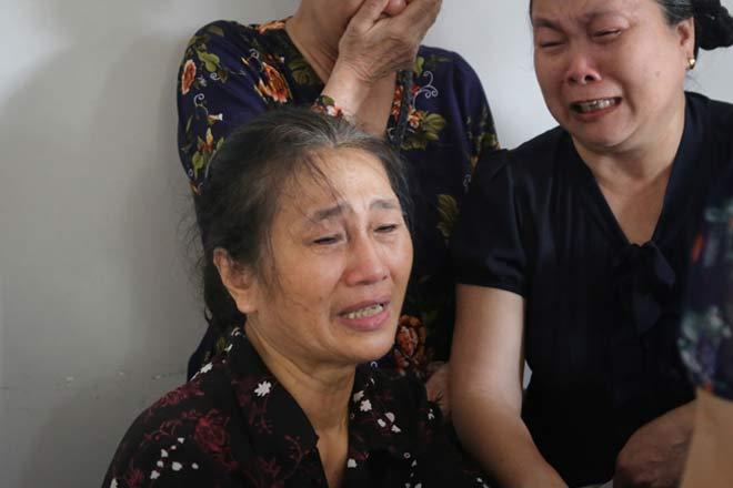 Đẫm lệ đưa tiễn người lái tàu trong vụ tai nạn ở Thanh Hóa - 11