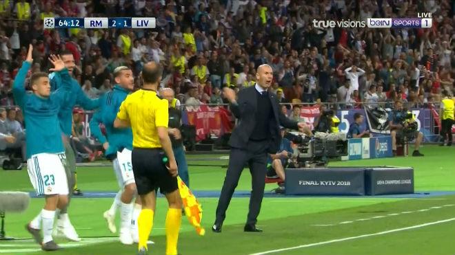 Bale ghi siêu phẩm xe đạp chổng ngược: Đẹp hơn Ronaldo, Zidane phải nể - 4