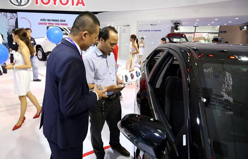 Việt Nam nhập hơn 700 ô tô chỉ trong 1 tuần - 1