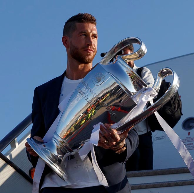 TRỰC TIẾP Real Madrid ăn mừng 13 cúp C1: Ramos oai hùng ôm cúp về Bernabeu - 2