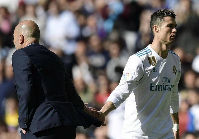 """Chấn động Real Madrid: """"Ông trùm"""" nào khiến người hùng Zidane phải ra đi? - 2"""