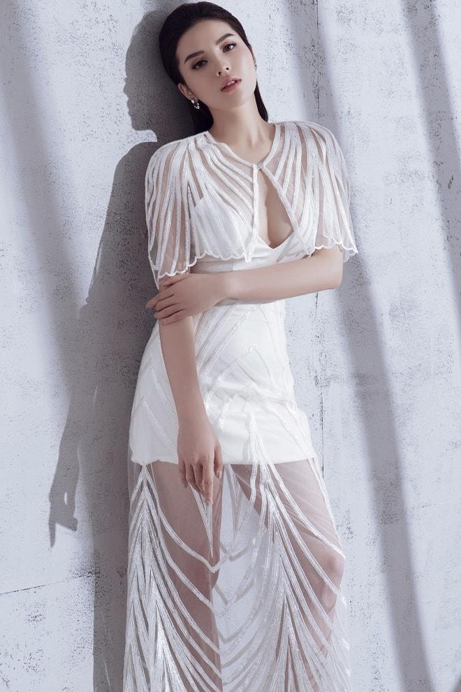 Kỳ Duyên mặc đầm xuyên thấu, khoe dáng đẹp như tượng - 4