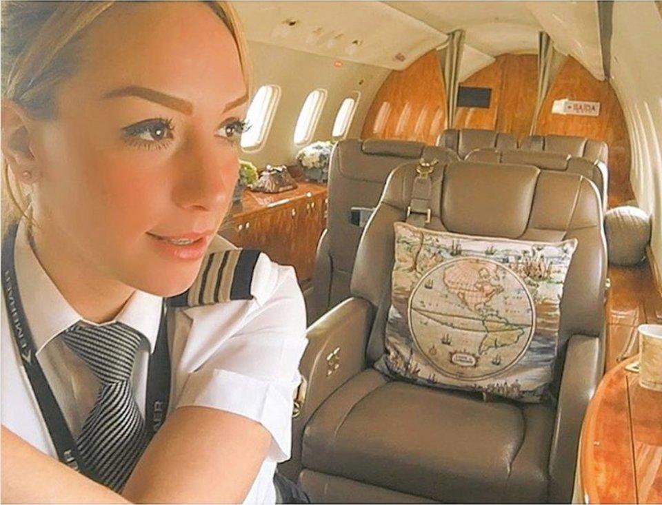 Ngắm nhan sắc của các nữ phi công xinh đẹp nhất thế giới - 13