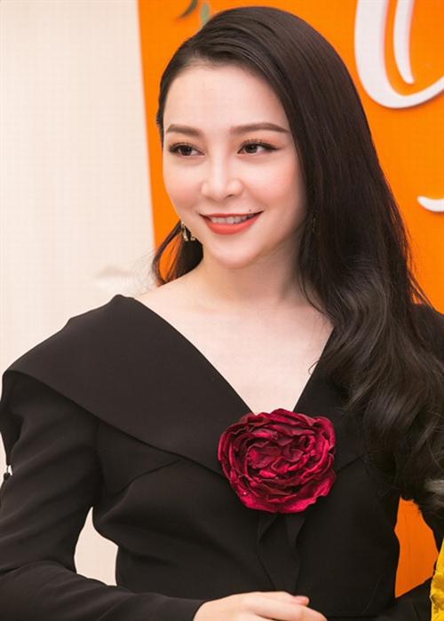 Những suối tóc đen huyền gây thương nhớ của sao Việt - 4
