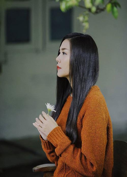 Những suối tóc đen huyền gây thương nhớ của sao Việt - 8