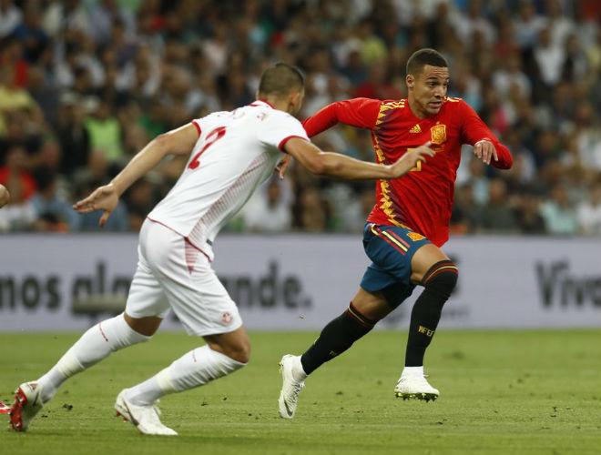 """Tunisia - Tây Ban Nha: """"Siêu dự bị"""" chói sáng, vỡ òa phút 84"""