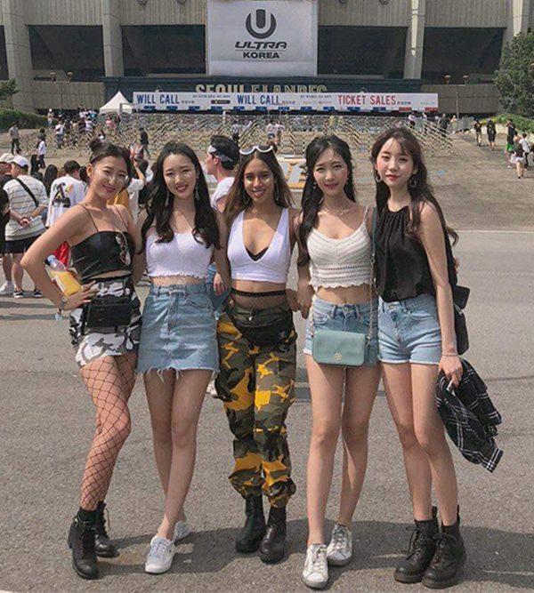 Thời trang của con gái Hàn khi đi đại nhạc hội - 4
