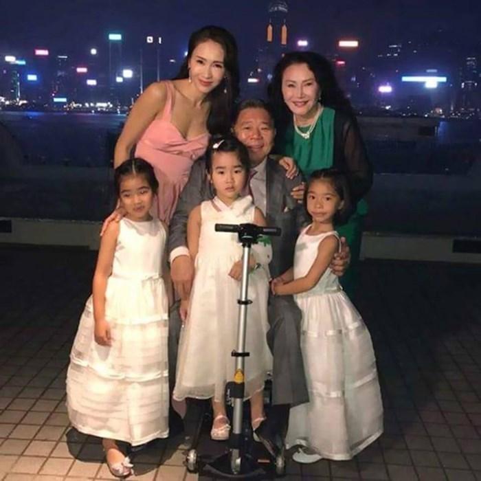 """Hai """"chị dâu Võ Tòng"""" đọ sắc ở sự kiện: U50 vẫn trẻ đẹp nhờ chồng siêu giàu - 14"""