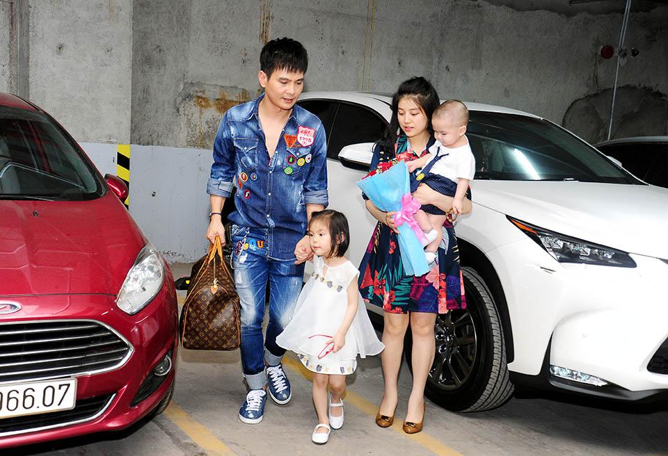 Lâm Hùng tậu căn hộ 4 tỷ, tặng vợ xinh đẹp từ Đà Lạt vào Sài Gòn sống - 1