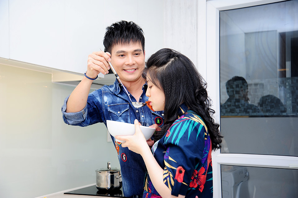 Lâm Hùng tậu căn hộ 4 tỷ, tặng vợ xinh đẹp từ Đà Lạt vào Sài Gòn sống - 15