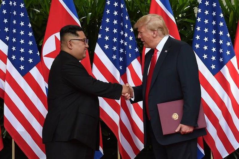 """Thỏa thuận giữa Trump và Kim Jong-un bị đánh giá """"yếu ngạc nhiên"""" - 2"""