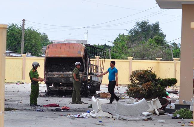 Bộ trưởng Công an làm việc với Công an Bình Thuận về vụ gây rối, đốt phá - 1