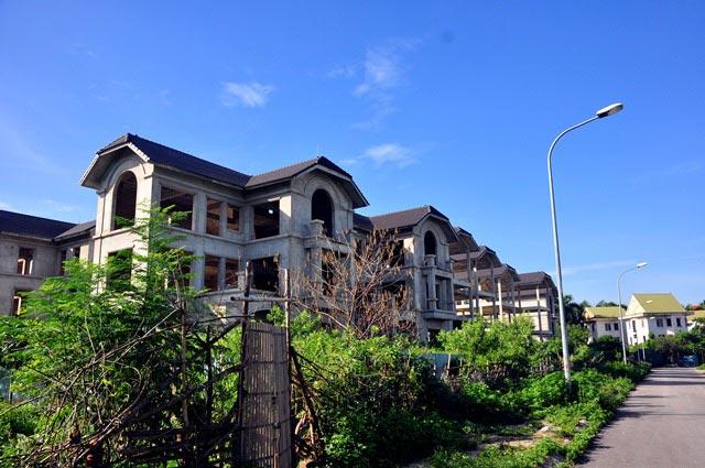Cận cảnh 44 biệt thự triệu USD bỏ hoang nhiều năm cạnh Hồ Tây - 7