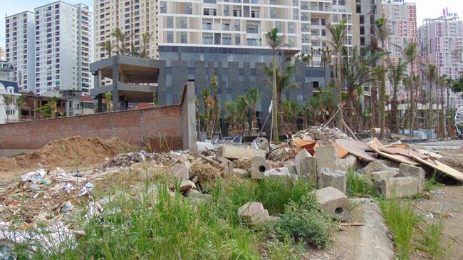 """Cận cảnh hoang tàn của """"thành phố trong mơ"""" giữa lòng Thủ đô - 2"""
