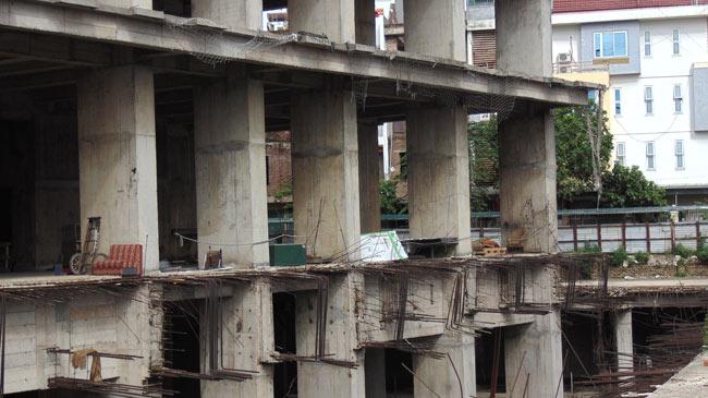 """Cận cảnh hoang tàn của """"thành phố trong mơ"""" giữa lòng Thủ đô - 8"""