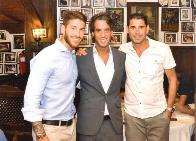 """Chấn động Tây Ban Nha đuổi HLV: """"Đại ca"""" Ramos cầm đầu, lấn át HLV Hierro"""