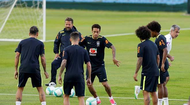"""Brazil lộ đội hình: """"Ông trùm"""" Neymar nổi điên, truy tìm """"gián điệp nằm vùng"""" - 2"""