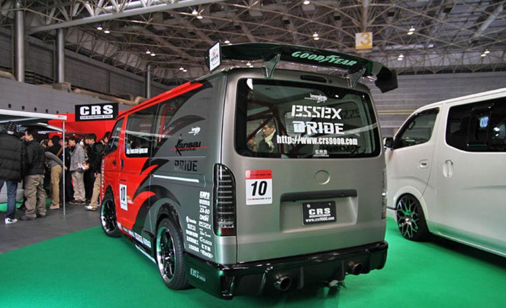 Toyota Hiace độ: Một cách chơi xe van của người Nhật Bản - 9
