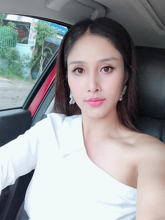 Vợ cũ Phan Thanh Bình ngày càng sexy sau 3 năm ly hôn - 13