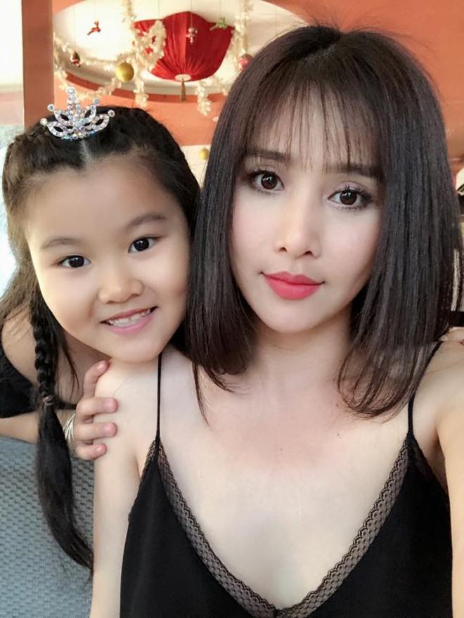 Vợ cũ Phan Thanh Bình ngày càng sexy sau 3 năm ly hôn - 9