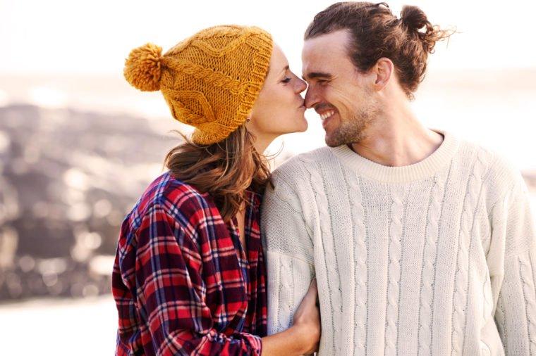 9 lợi ích bất ngờ của nụ hôn đối với sức khỏe - 1