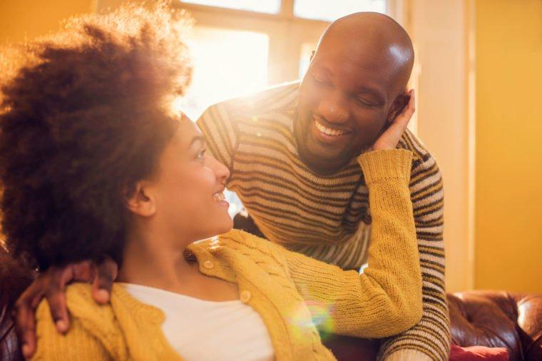 9 lợi ích bất ngờ của nụ hôn đối với sức khỏe - 4