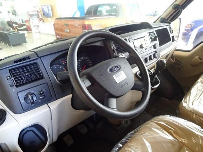 """So sánh Ford Transit và Hyundai Solati: """"Tân binh"""" đấu với """"Vua chở khách"""" - 11"""