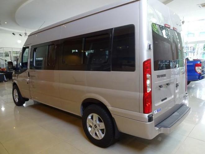 """So sánh Ford Transit và Hyundai Solati: """"Tân binh"""" đấu với """"Vua chở khách"""" - 8"""