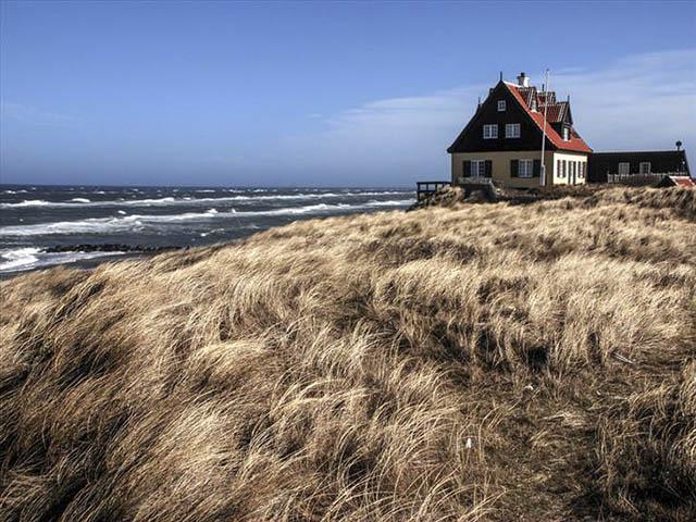Ngắm vẻ đẹp như tranh của quê hương các cầu thủ Đan Mạch trong trận chiến sống còn đêm nay - 6