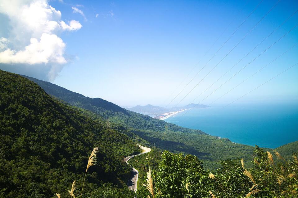 Đèo Hải Vân và Ninh Bình cùng được góp mặt trong top những thắng cảnh đẹp nhất Đông Nam Á - 3