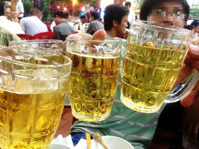 """Uống 1 lon bia/ngày cũng tăng nguy cơ mắc ung thư, vậy mà người Việt """"không say, không về"""""""