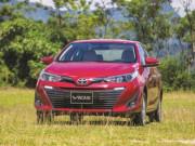 Giá ô tô tuột xích, doanh số thị trường vượt ngoài dự đoán