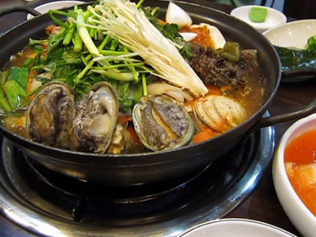 Làm đúng 3 bước này, mùi tanh của cua, cá, tôm, mực biến mất, món ăn dậy mùi thơm