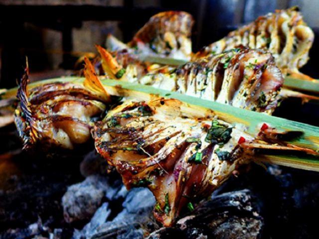 Những món đặc sản bên ngoài nướng cháy đen sì, bên trong ngon ngất ngây ở Lai Châu