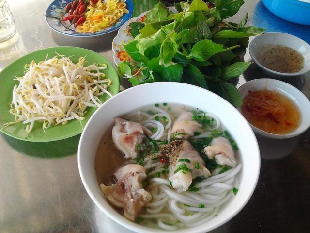 Bánh canh Tràng Bảng: Đặc sản không nên bỏ lỡ khi đến Tây Ninh