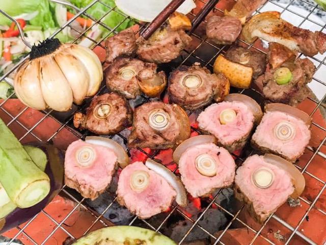 """Người Tây Ninh có món đặc sản bê nướng lụi sả ngon """"thần sầu"""""""