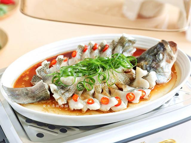 Bí quyết làm món cá hấp không tanh, thơm, thấm gia vị, ai cũng phải khen