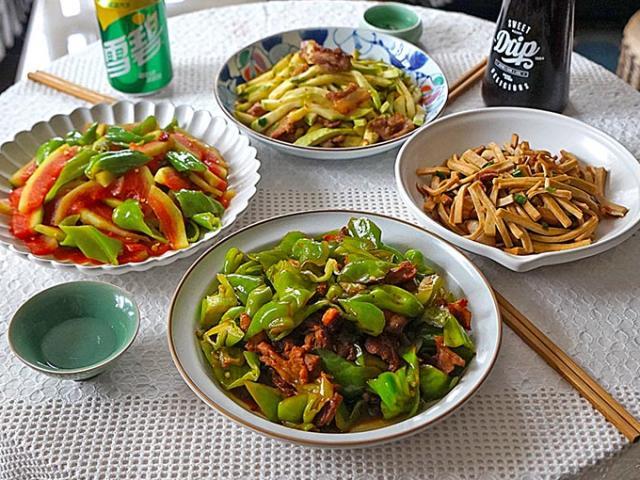 Thực đơn 4 món xào toàn rau củ, tận dụng cả vỏ dưa hấu làm món ngon miễn chê